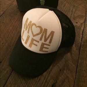 "Accessories - ""Mom Life"" SnapBack hat - NWOT"